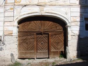 Poarta Școlii Maghiare
